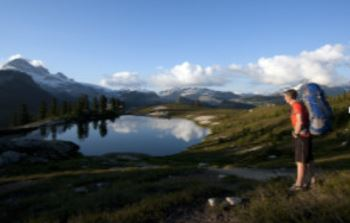 Hike to Elfin Lakes